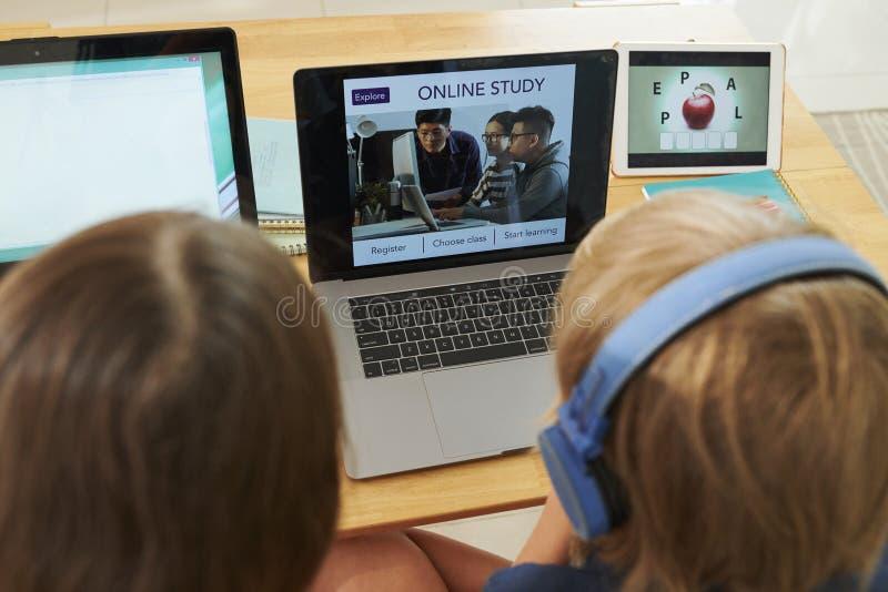 Concepto distante de la educaci?n foto de archivo libre de regalías