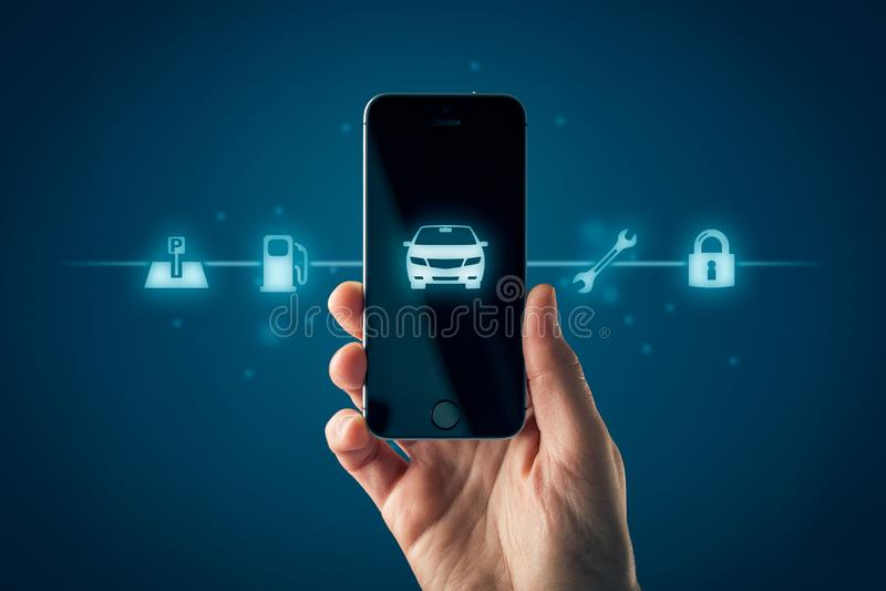 Concepto elegante del app del teléfono del coche inteligente fotografía de archivo libre de regalías