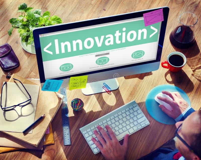 Concepto en línea de la ojeada de la página web del desarrollo de la innovación de Digitaces imagen de archivo