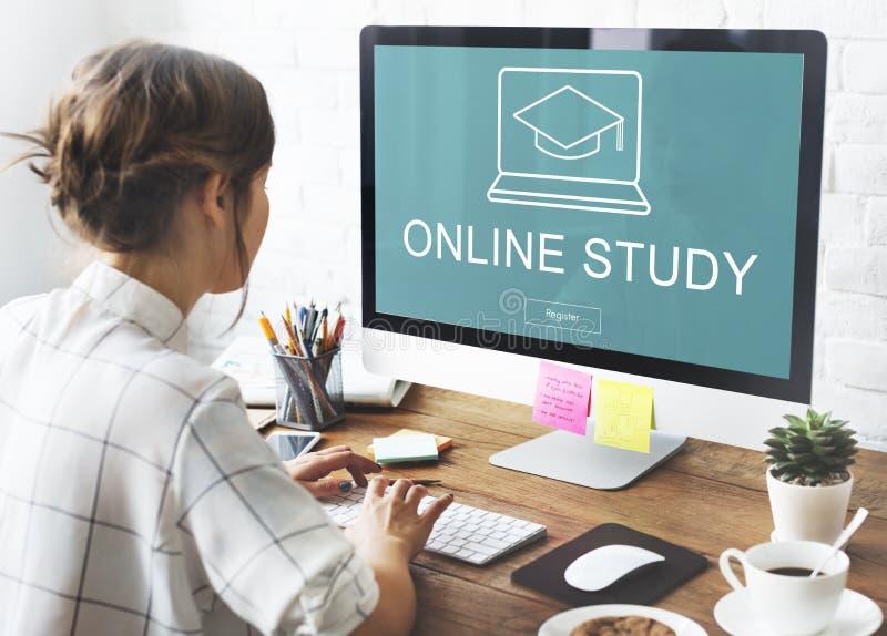 Concepto en línea de los gráficos del casquillo de la graduación de la educación imagenes de archivo