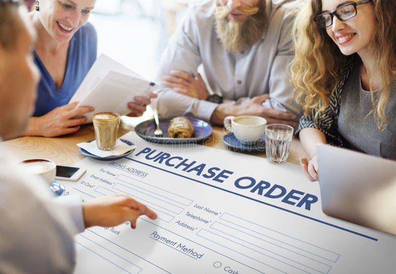 Concepto en línea del trato de la forma de la orden de compra imágenes de archivo libres de regalías