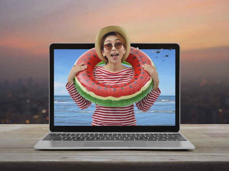 Concepto en l?nea de las vacaciones de verano del negocio fotografía de archivo