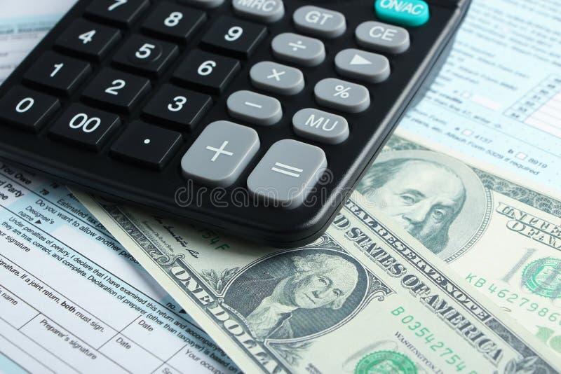 Concepto financiero de la forma de impuesto fotografía de archivo libre de regalías