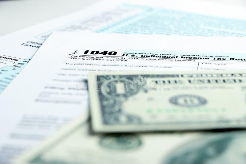 Concepto financiero de la forma de impuesto imagenes de archivo