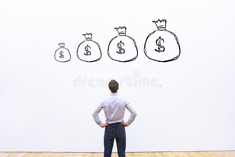 Concepto financiero, dinero y finanzas del aumento de beneficios imágenes de archivo libres de regalías