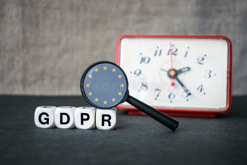 Concepto general de la regulación de la protección de datos Letras GDPR, magnif foto de archivo