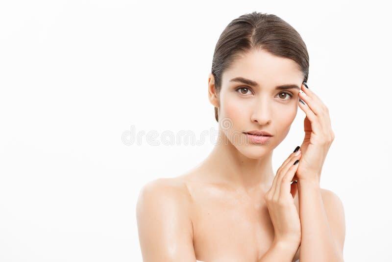Concepto hermoso del cuidado de piel de la belleza del retrato de la cara de la mujer hermoso fotos de archivo
