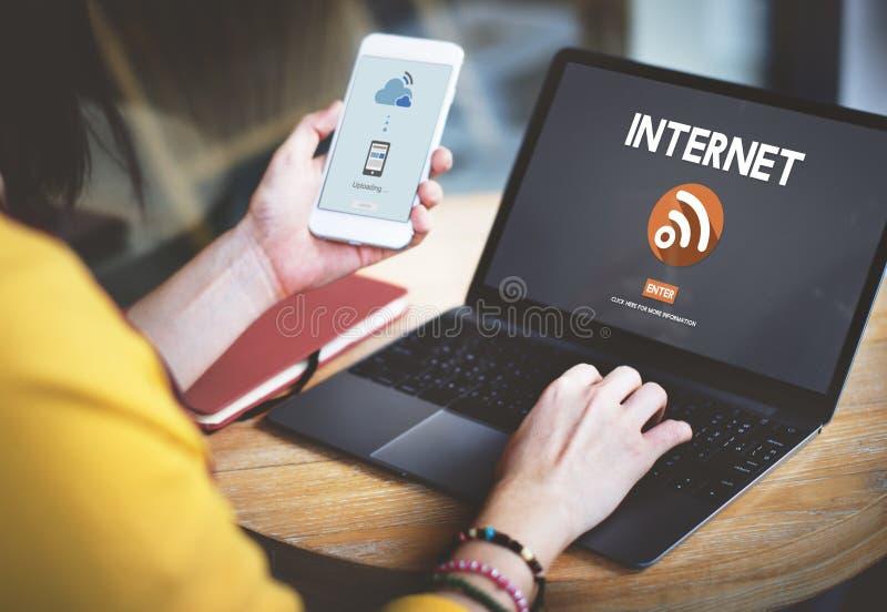 Concepto inalámbrico de la tecnología de Wifi de la conexión a internet fotos de archivo