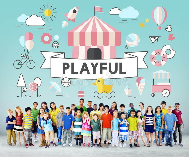 Concepto juguetón de la juventud enérgica de los niños de los niños fotos de archivo