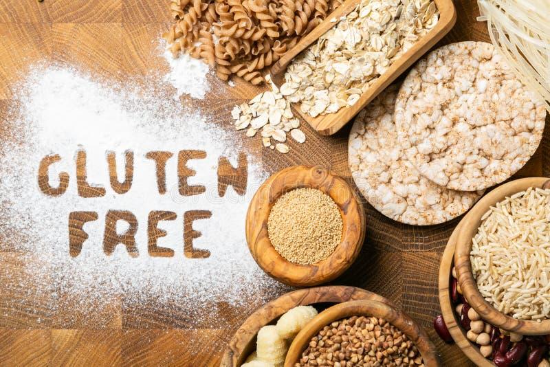 Concepto libre de la dieta del gluten - selección de granos y de carbohidratos para la gente con intolerancia del gluten foto de archivo libre de regalías