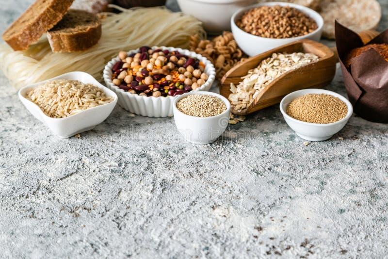 Concepto libre de la dieta del gluten - selección de granos y de carbohidratos para la gente con intolerancia del gluten imágenes de archivo libres de regalías