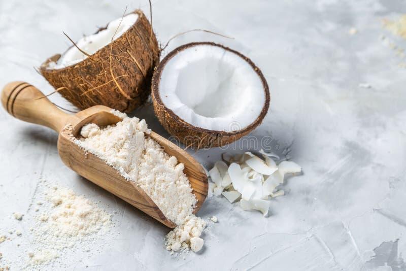 Concepto libre del gluten - harina del coco fotografía de archivo