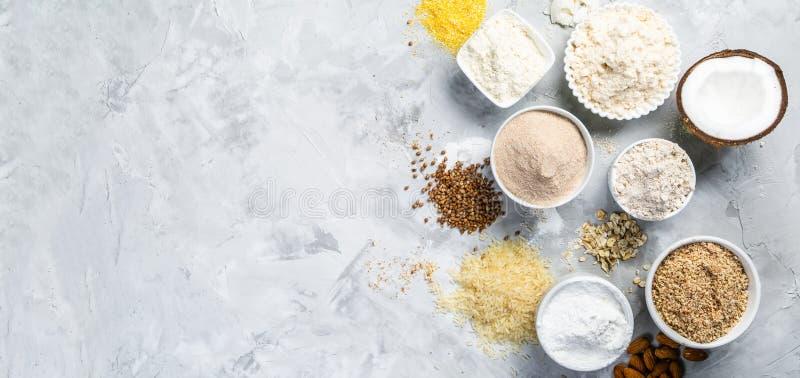 Concepto libre del gluten - selección de harinas y de ingredientes alternativos fotografía de archivo