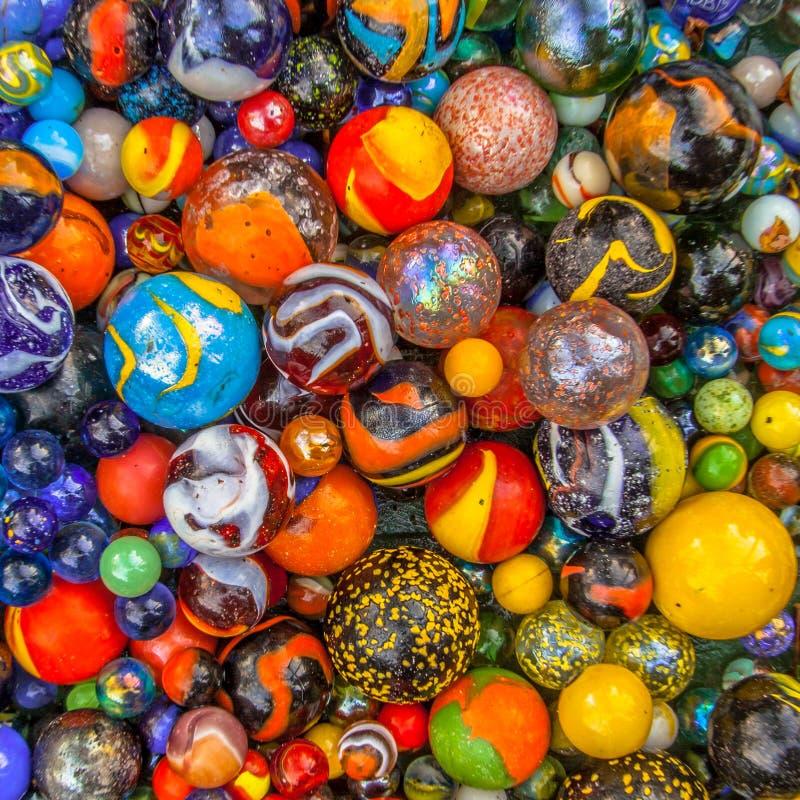 concepto multicultural de mármol de cristal coloreado de la comunidad foto de archivo libre de regalías