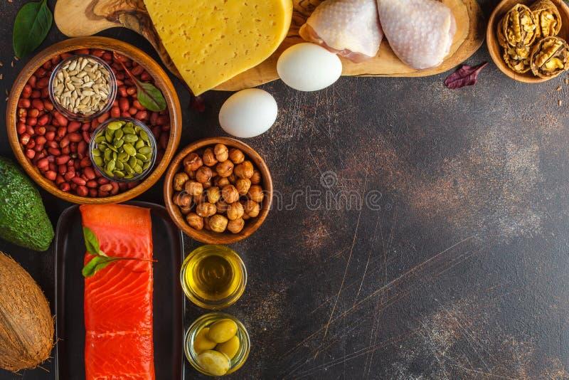 Concepto quetogénico de la dieta del Keto Comida de alto valor proteico, CCB del marco de la comida imagen de archivo libre de regalías