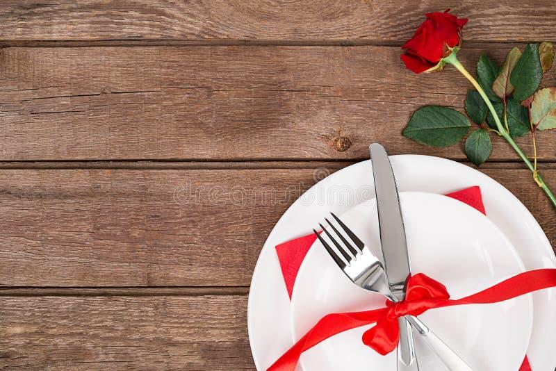 Concepto romántico de la cena Fondo del día de San Valentín o de la oferta fotografía de archivo libre de regalías