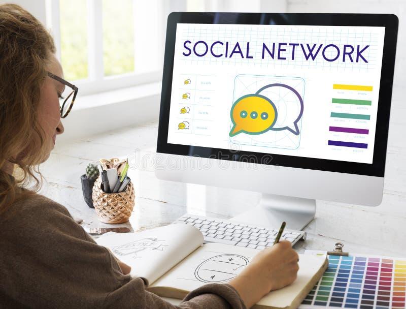 Concepto social de la discusión de la conexión de red imagenes de archivo