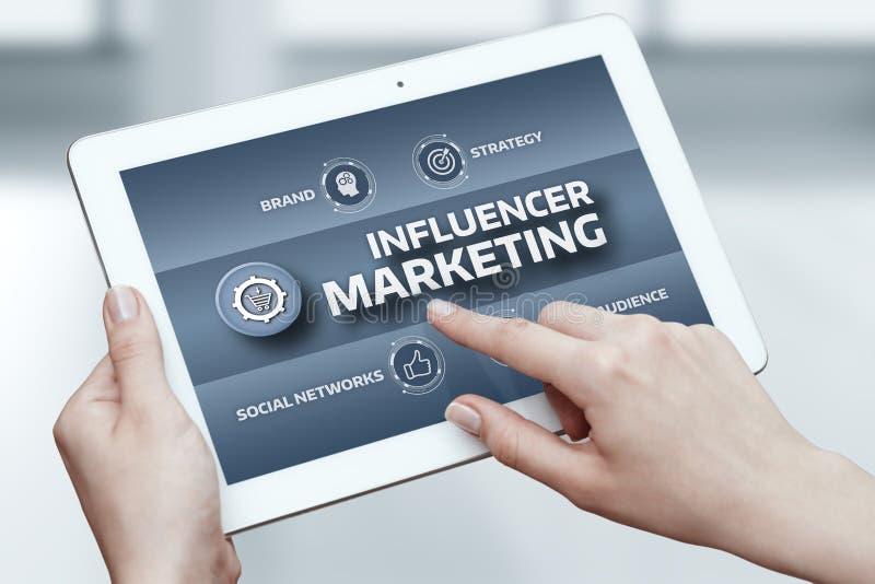Concepto social de la estrategia de la red del negocio del plan de márketing de Influencer medios imagenes de archivo