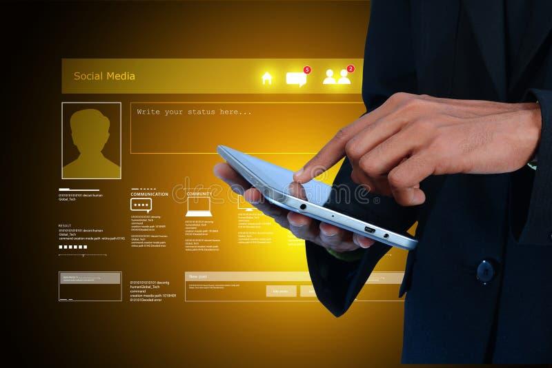 Concepto social de la red que muestra la tableta imagen de archivo libre de regalías