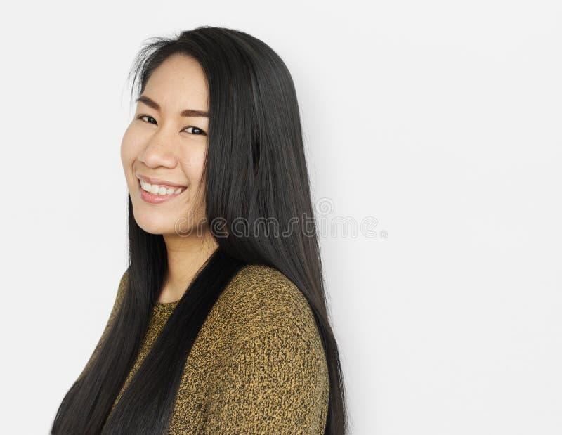 Concepto sonriente alegre de la mujer asiática foto de archivo