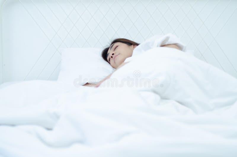 Conceptos de la salud en sueño fotos de archivo
