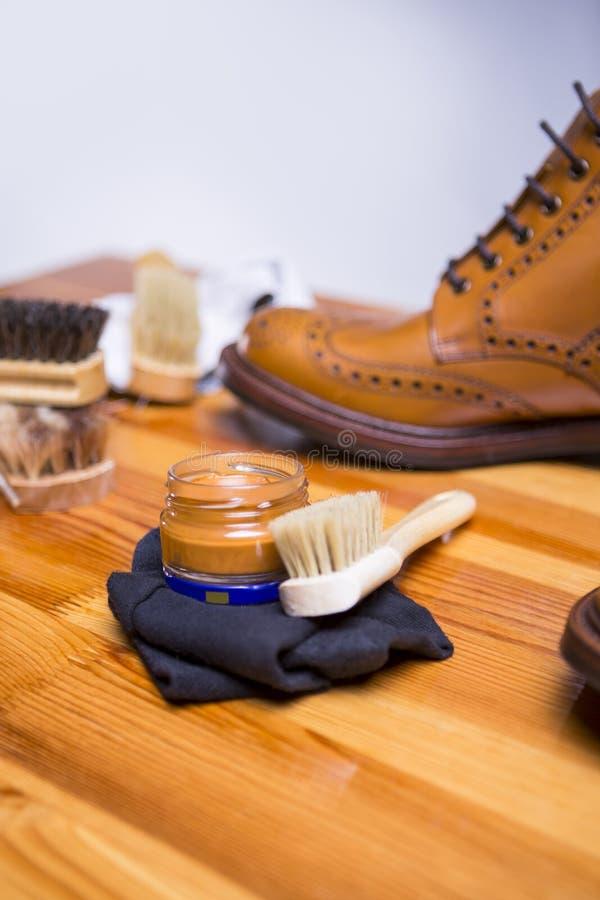 Conceptos del calzado Primer de Tan Brogue Boots superior imagen de archivo