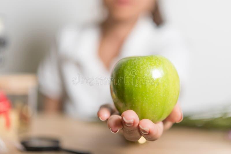Conceptos verdes de la comida y de la fruta de la manzana del verde de la fruta de la manzana fotografía de archivo libre de regalías