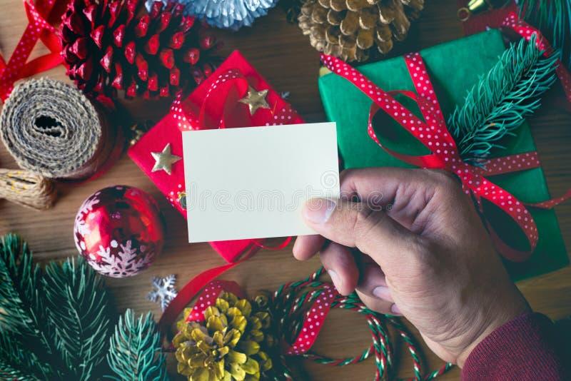 Concepts de Joyeux Noël avec les cartes de voeux humaines d'écriture de main photo libre de droits