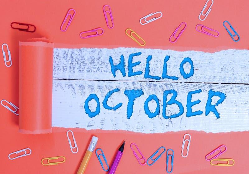 Conceptueel schrijven met Hello Oktober Tekst bedrijffoto's Laatste kwart tiende maand 30 dagen Seizoengroet stock afbeelding