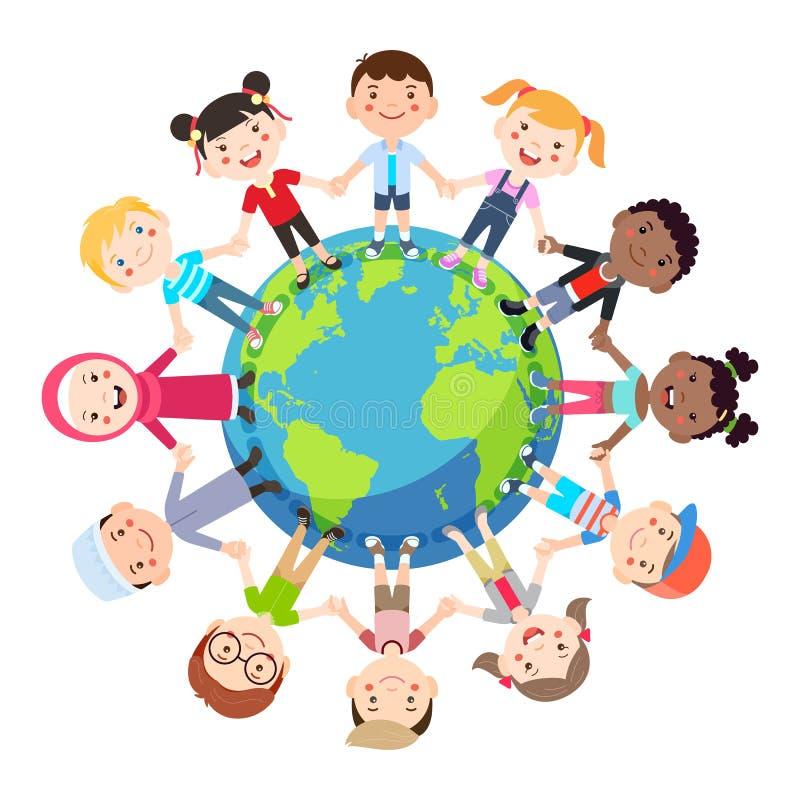 Conceptuele de bol van de jonge geitjesliefde De groepen kinderen van rondom de wereld sluiten zich aan bij handen rond de bol royalty-vrije illustratie