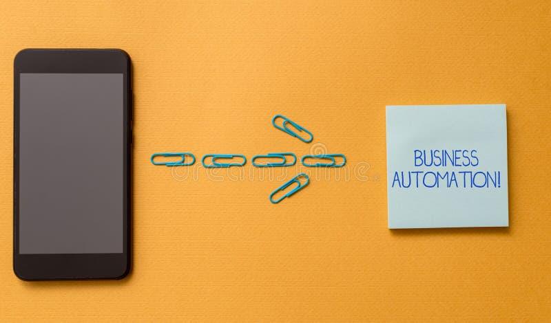 Conceptuele hand die tonend Bedrijfsautomatisering schrijven Bedrijfsfototekst voor Digitale die Transformatie wordt gestroomlijn stock foto
