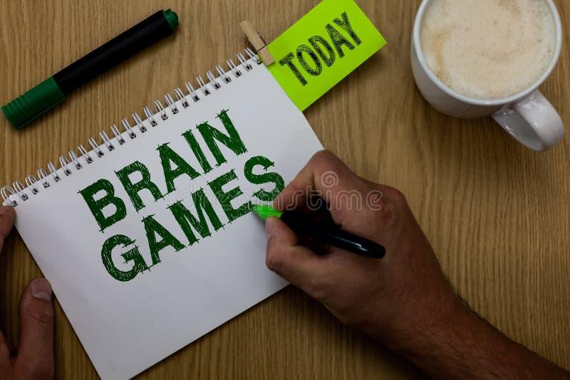 Conceptuele hand die tonend Brain Games schrijven Bedrijfsfoto die psychologische tactiek met oppon demonstreren te manipuleren o royalty-vrije stock fotografie