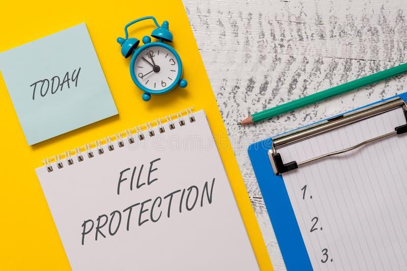 Conceptuele hand die tonend Dossierbescherming schrijven Bedrijfsfoto die Verhinderend het toevallige wissen van gegevens het geb stock afbeeldingen
