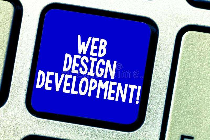 Conceptuele hand die tonend Ontwikkeling van het Webontwerp schrijven Bedrijfsfoto die ontwikkelt websites voor het ontvangen via stock foto