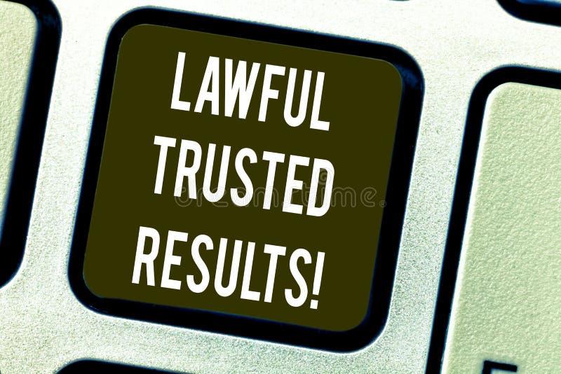 Conceptuele hand die tonend Wettige Vertrouwde op Resultaten schrijven Bedrijfsfototekst het Sluiten overeenkomst veilig door wet stock afbeelding