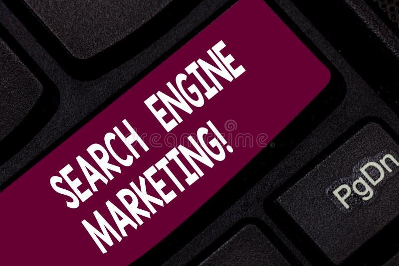 Conceptuele hand die tonend Zoekmachine Marketing schrijven Bedrijfsfoto demonstratiebevordering van websites door te stijgen stock foto's