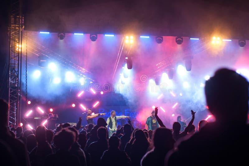 Concert de bande de Firkin photographie stock libre de droits