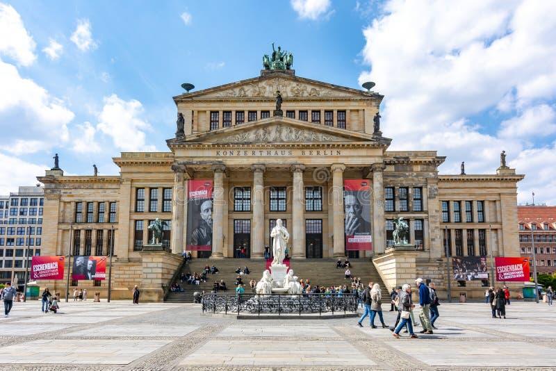 Concerto Hall Konzerthaus no quadrado de Gendarmenmarkt, Berlim, Alemanha imagens de stock