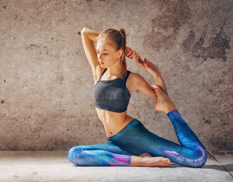 Concetti sani di yoga e di stile di vita fotografie stock