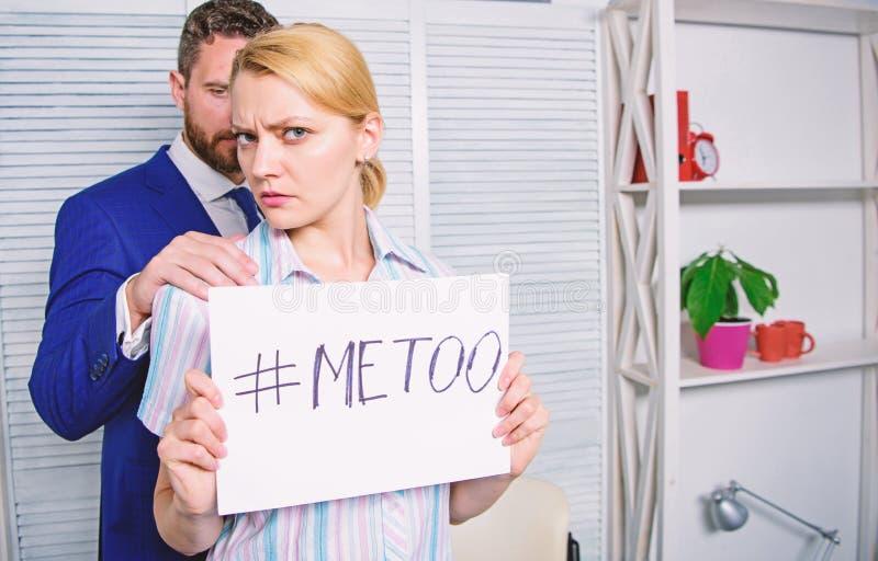 Concetto d'oppressione del posto di lavoro Conflitto del responsabile Relazioni dei colleghi di ufficio Metoo come nuovo moviment fotografia stock
