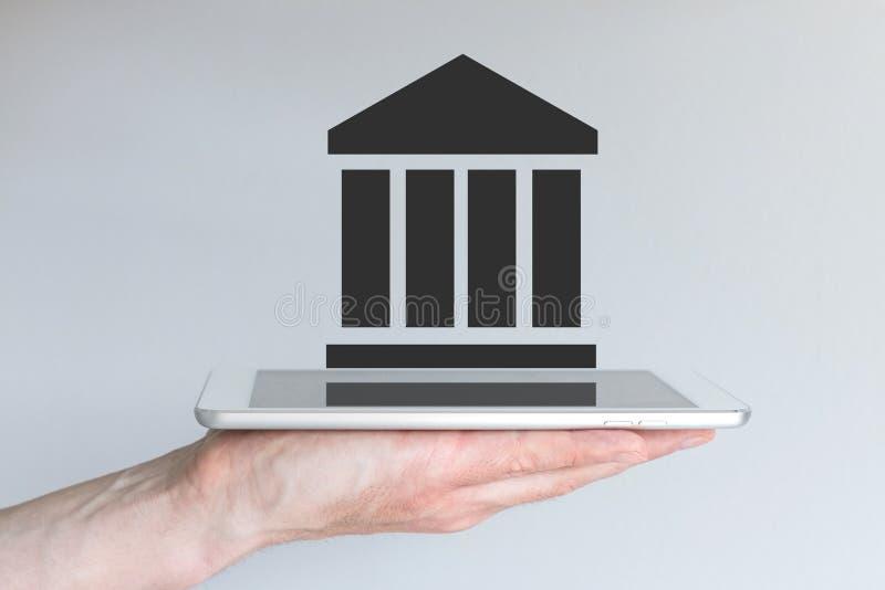 Concetto dei servizi finanziari e del settore assicurativo digitali e mobili fotografie stock