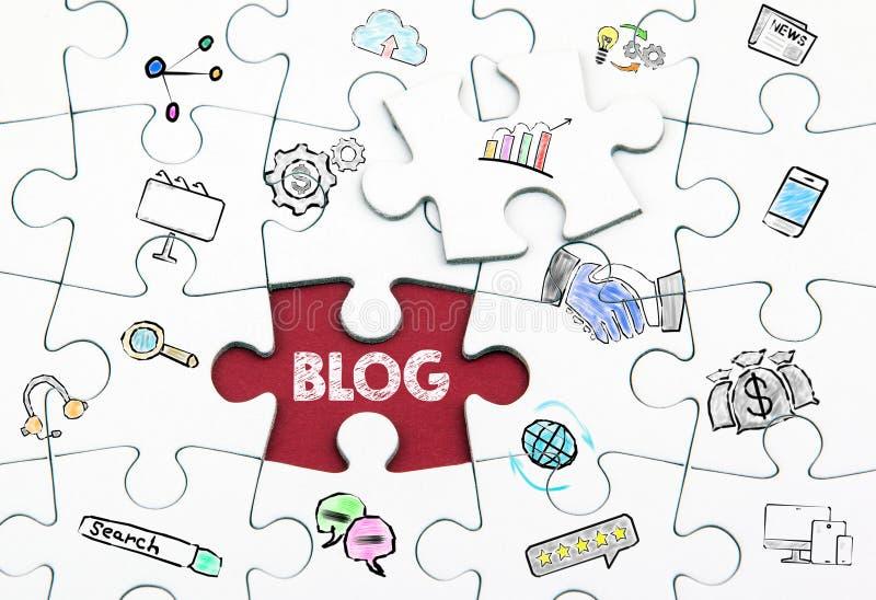 Concetto del blog Ultimo pezzo bianco di puzzle fotografia stock libera da diritti