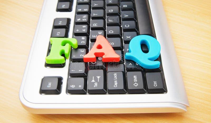 Concetto del FAQ con le lettere sulla tastiera immagini stock