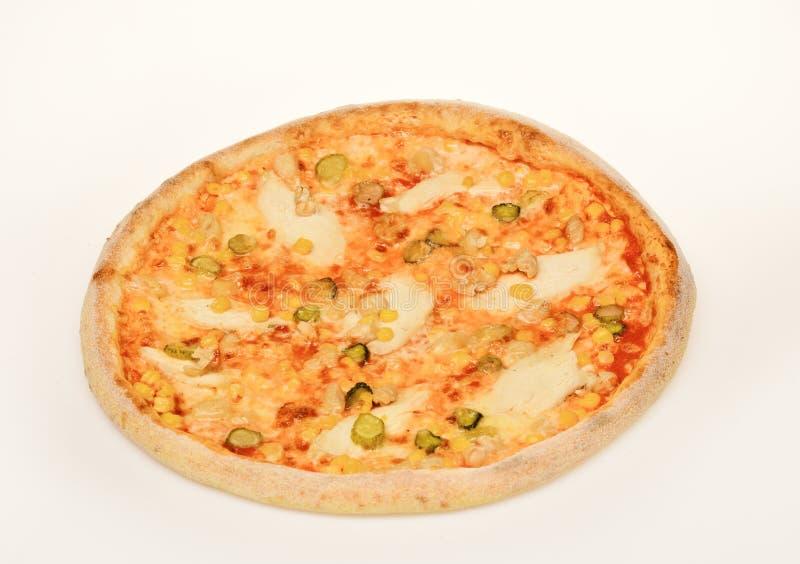 Concetto del fast food Pizza piccante con i capperi ed il condimento fotografia stock libera da diritti