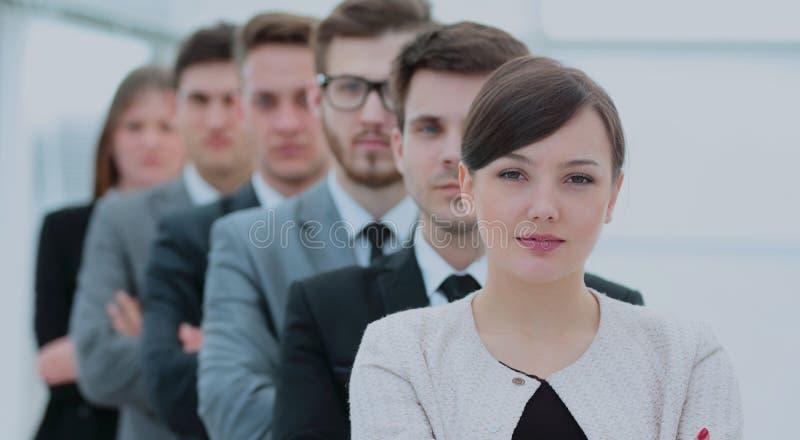 Concetto del gruppo professionale: un riuscito gruppo di affari stan immagini stock