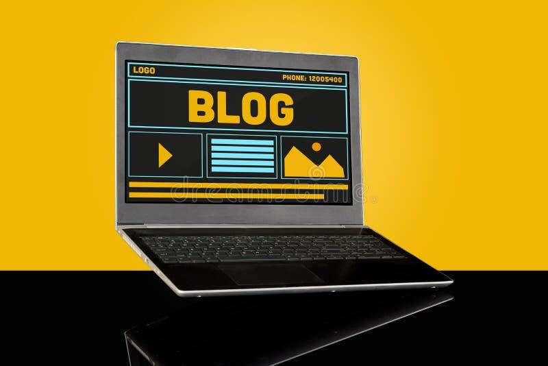 Concetto del sito Web UI del homepage di blogging del blog sul computer portatile fotografia stock libera da diritti