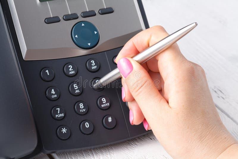 Concetto Del Telefono Dell'ufficio O Della Call Center ...
