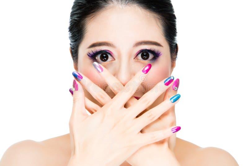 Concetto dell'artista di moda nello stile dell'arcobaleno fotografia stock libera da diritti