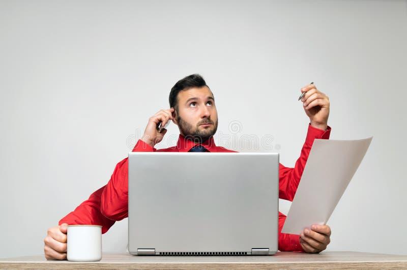 Concetto dell'elaborazione multitask e della produttività immagine stock