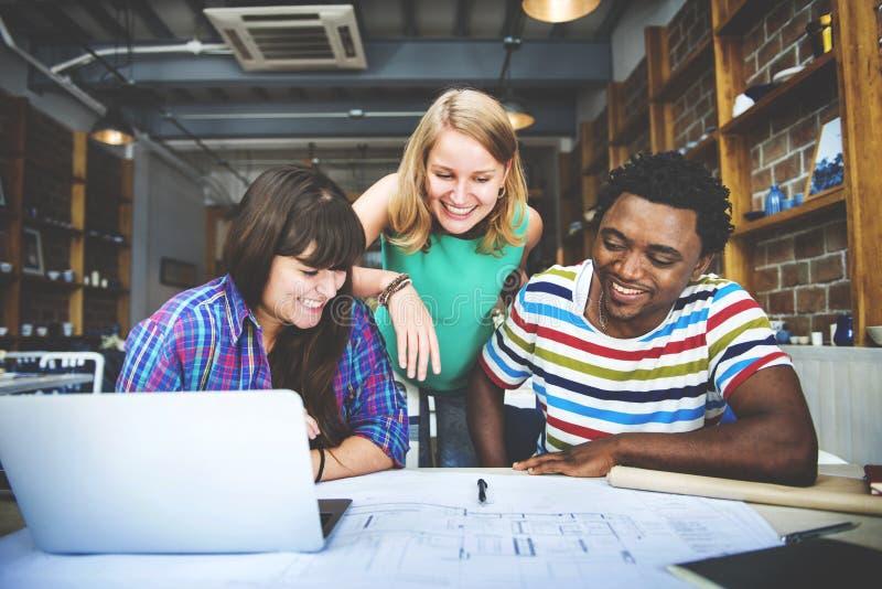 Concetto dell'interno di Teamwork Brainstorming Planning del progettista fotografie stock